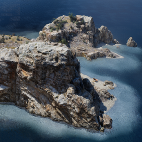 Set of modular cliffs with supporting assets to make beautiful seaside or inland rocky environments.