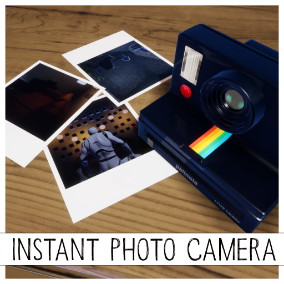 Plug and play instant photo camera functionality including scripts for importing and deleting of pictures from Blueprint.