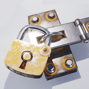 Set of 84 modular lock and chain parts